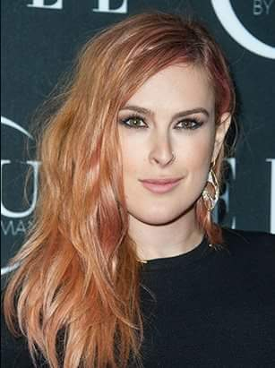 Rumer Willis stylish pose image