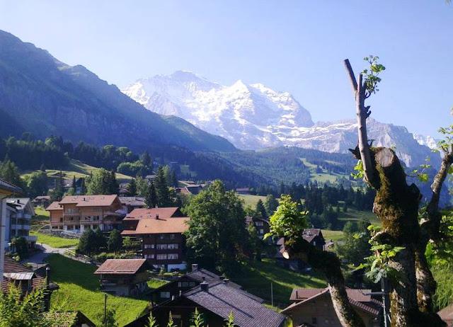 Деревня Венген в Швейцарии 1