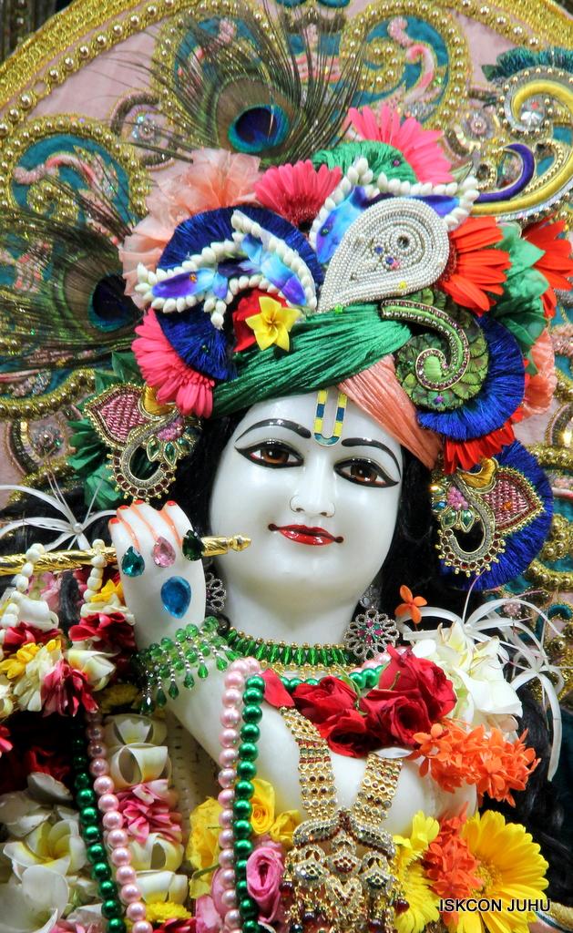 ISKCON Juhu Sringar Deity Darshan on 25th Oct 2016 (12)