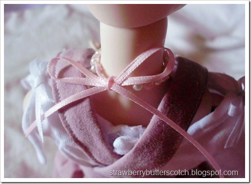 5 a Week: Jewelry for Dolls: Pearl and Ribbon Necklace
