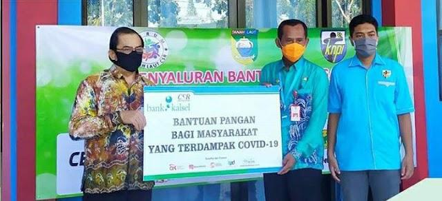 Ringankan Beban, Bank Kalsel Berikan Sembako ke Warga Tanah Laut