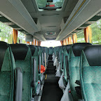 Het interieur van de Mercedes van Deiman Tours bus 45