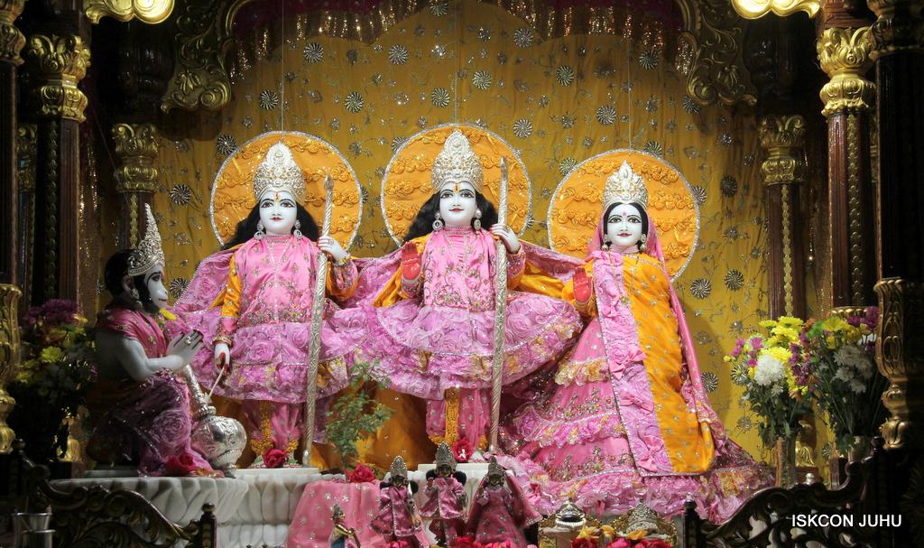 ISKCON Juhu Mangal Deity Darshan on 30th Dec 2016 (2)