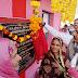 पोहरी - राज्यमंत्री श्री धाकड़ ने मनाया सांसद सिंधिया का जन्मोत्सव , गरीब में वितरीत किए फल व कंबल