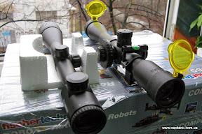 Сравнение прицелов КANDAR 10x42 AOE и Hawke Sidewinder 30 Tactical 10x42, расстояние до стены 40м