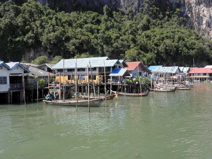 https://lh3.googleusercontent.com/-T5Kn0SEvTb0/Up0JFxyYhmI/AAAAAAAAEO0/LIzjcWCZ59I/w677-h508-no/Tajlandia+2013+623.JPG