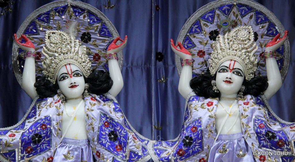 ISKCON Juhu Mangal Deity Darshan on 29th Sep 2016 (28)