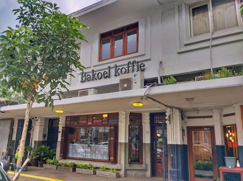 Suatu Hari Tentang Jambi di Bakoel Koffie Cikini