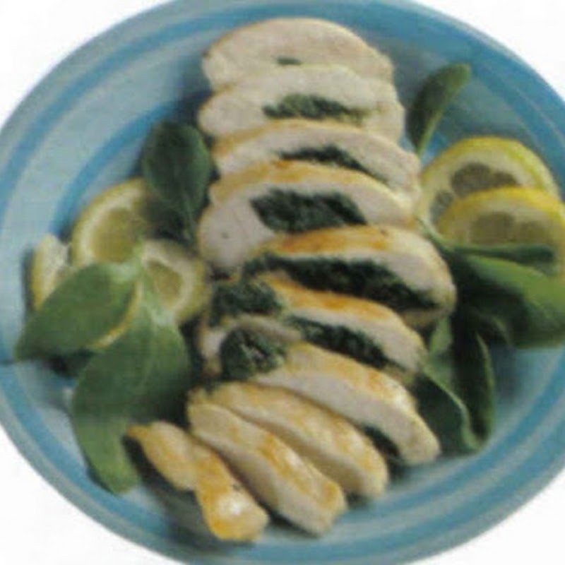 Petto di pollo farcito con spinaci e prosciutto.