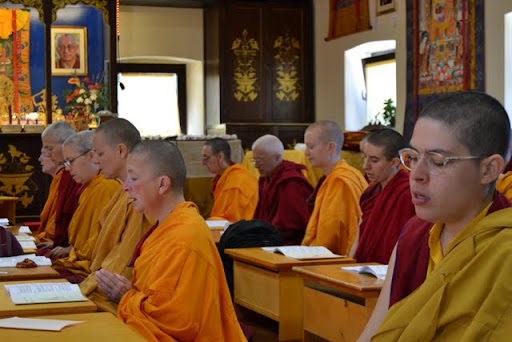 Shenpen Samten Ling nuns, Istituto Lama Tsong Khapa, June 2011, Pomaia, Italy