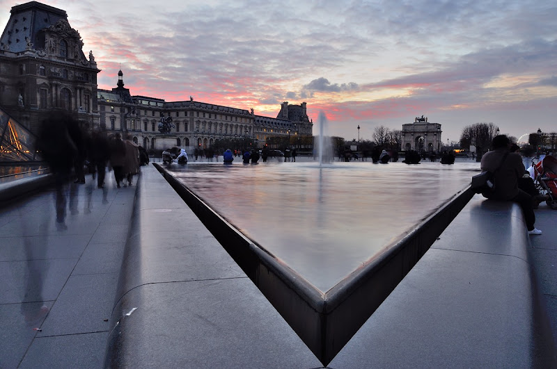 Challenge de Juin 2016 : Triangle - fin le 28 juin Louvre-nuit-10