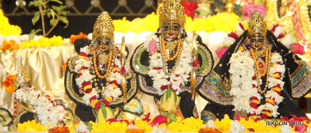 ISKCON Juhu Sringar Deity Darshan on 28th May 2016 (39)