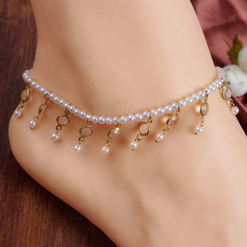 THE BEST CRYSTAL ANKLETS ACCESSORIES FOR CHIC WOMEN 1