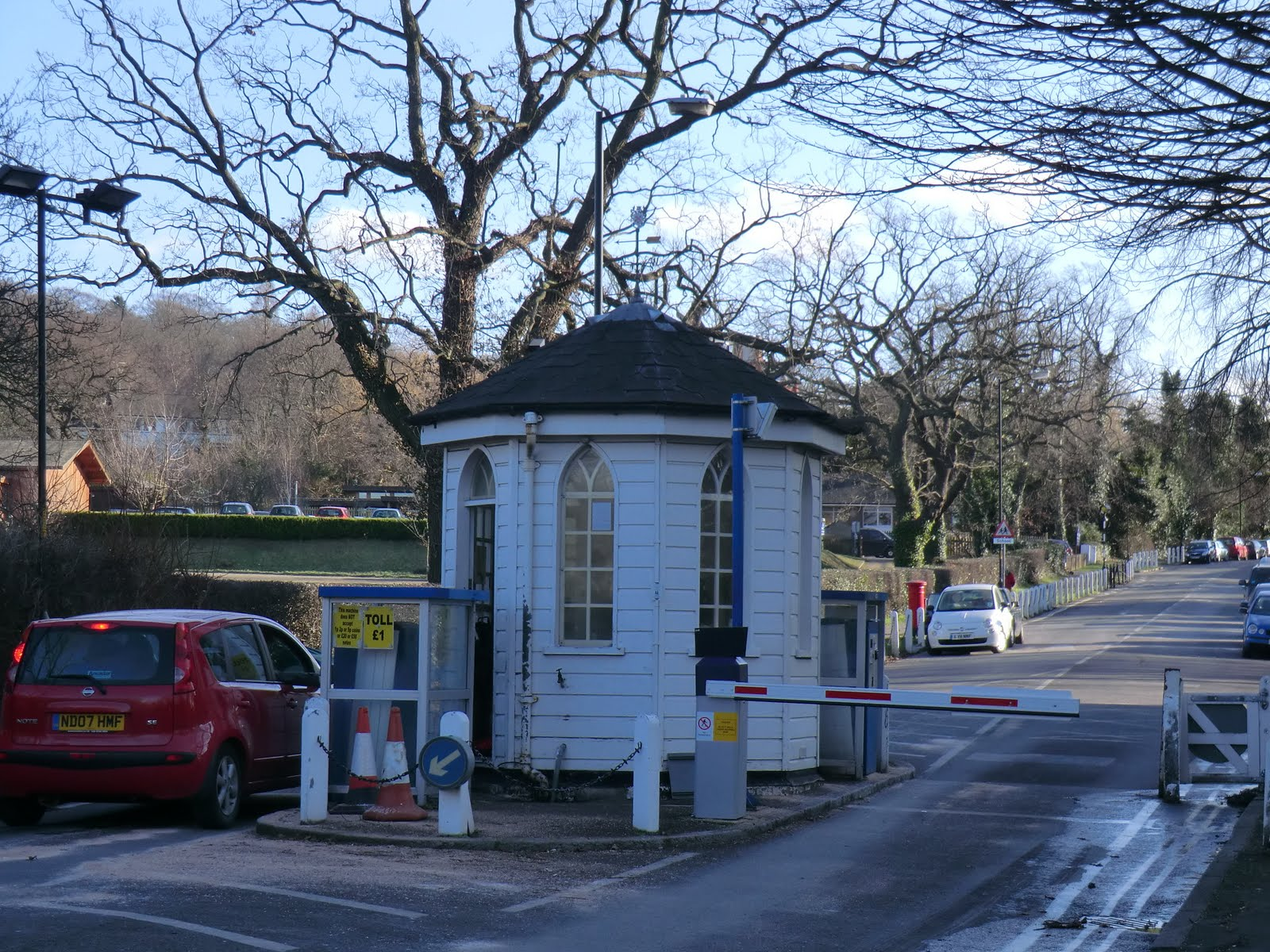 CIMG1601 Toll Booth, College Road