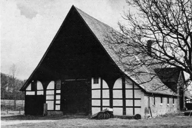 Waddenhausen Nr. 1. dat. 1561. Ältere Form des niederdeutschen Hallenhauses (Wohn-Stall-Haus)