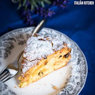 Elvira's Delicious Apple, Amaretti And Raisins Cake