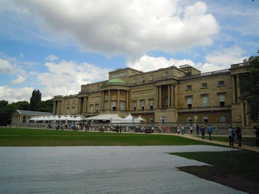 Buckingham Palace Garden.