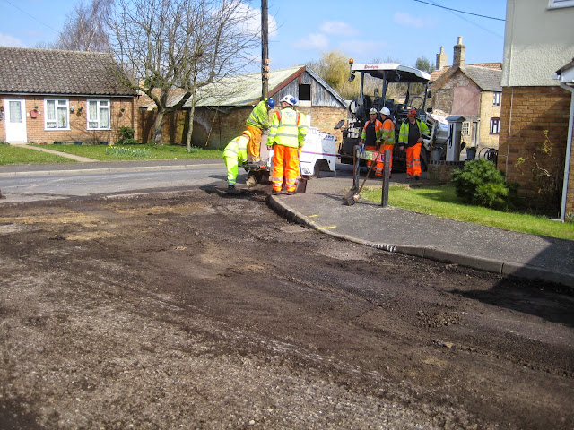St Johns Close Resurfacing 23-03-2015. Pictures by Chris Cannon - IMG_1079.JPG