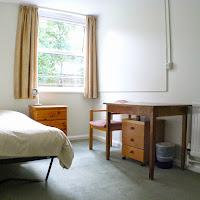Room 32-bedroom2