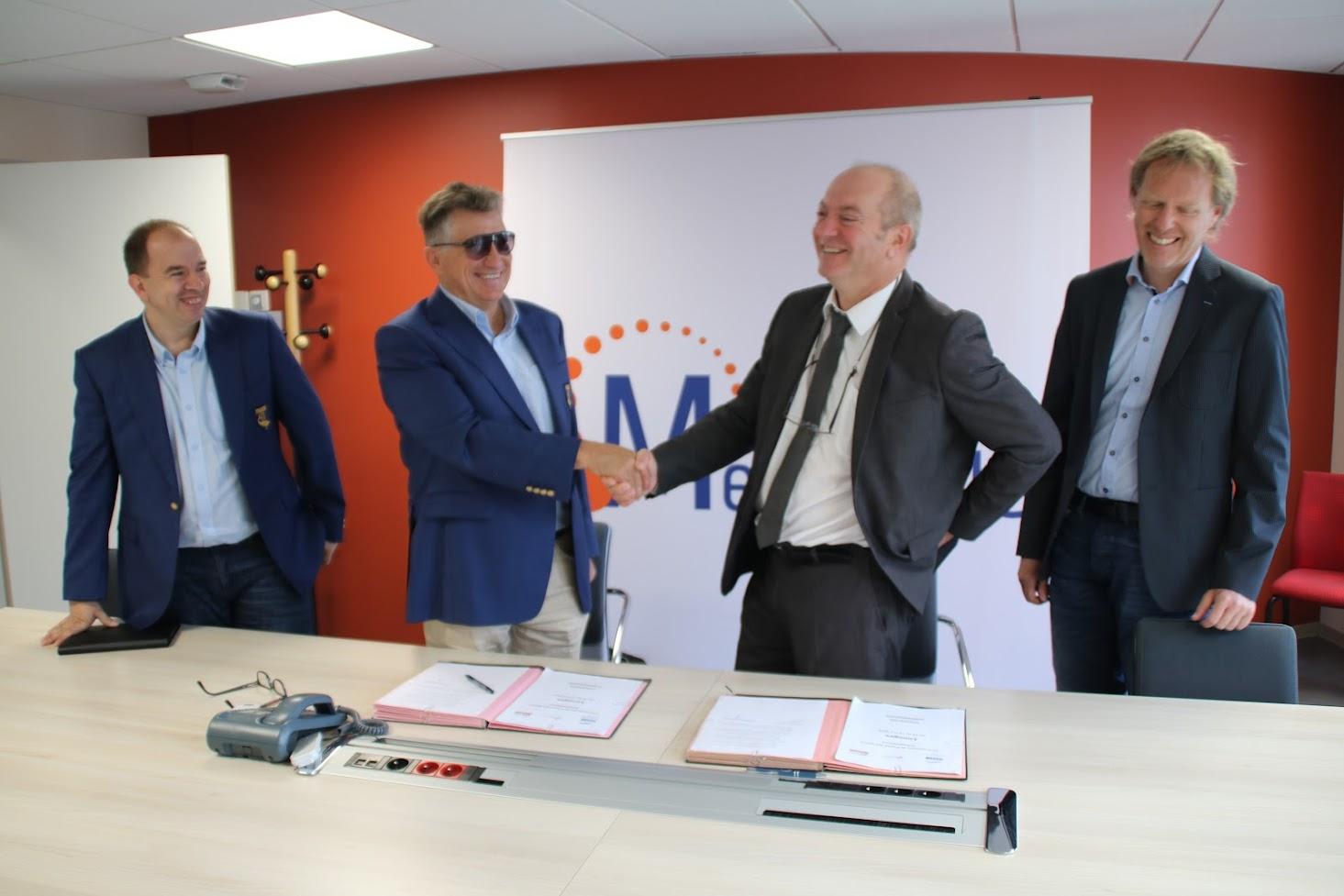 Jean-Louis Blanchard et Pascal ROBERT signe la convention des Championnats de France des sports Subaquatiques à Limoges 2019 accompagné de Sebastien Allegre CDN et Aurélien Lazeiras
