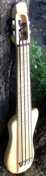 handbass Hobbit Ukulele bass