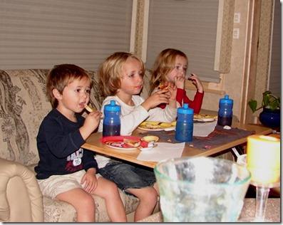 DSC02006.JPG Friday night pizza