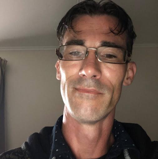user Antonio Tate apkdeer profile image
