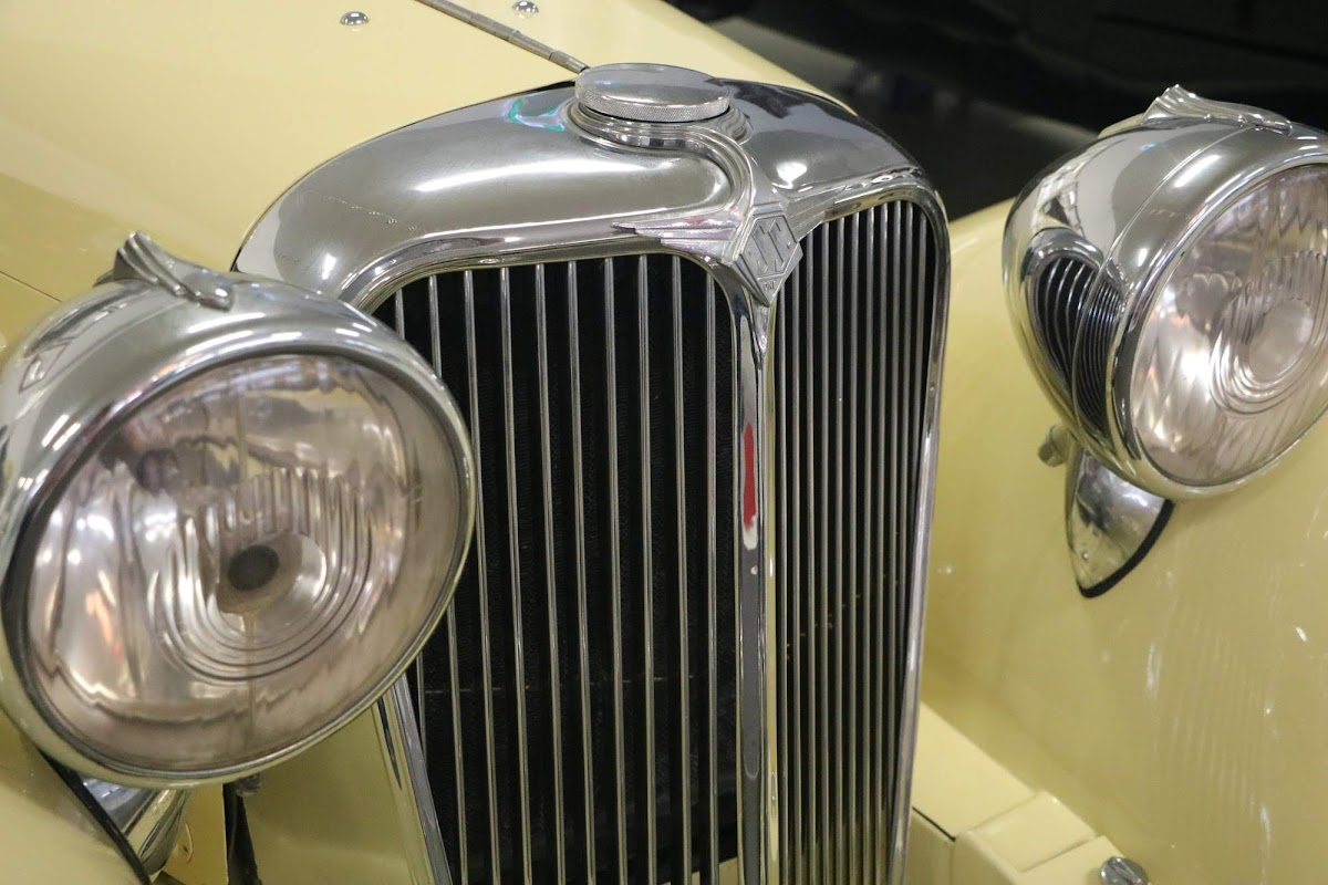 Carl_Lindner_Collection - 1934 SS1 Saloon 06.jpg