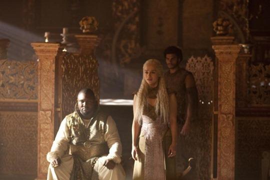 Daenerys-Targaryen-Season-2-daenerys-targaryen-31315028-833-555