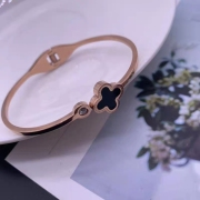 Clover Colorfast Women's Titanium Steel Bracelet Rose Gold Personalized Niche Design Diamond Titanium Steel Jewelry Bracelet