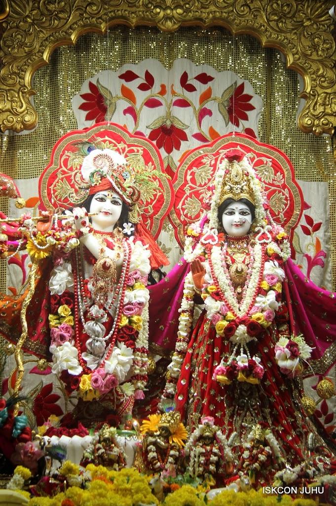 ISKCON Juhu Sringar Deity Darshan on 28th June 2016 (39)