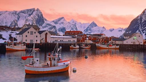 Village of Hamnoy, Moskenes Island, Lofotens, Norway.jpg