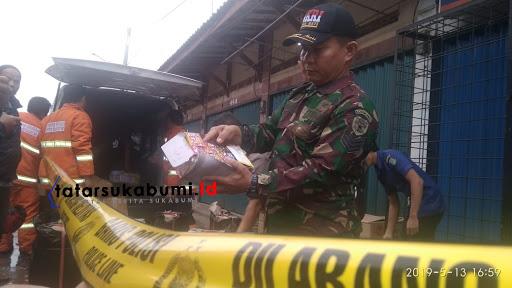 Lokasi ledakan petasan di Pasar Sukabumi dipasang garis kuning Polisi