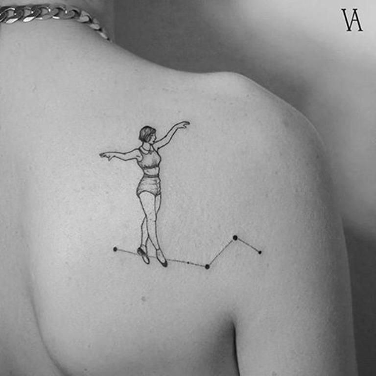 constelaço_de_nataço_do_conselho_de_trs_da_tatuagem