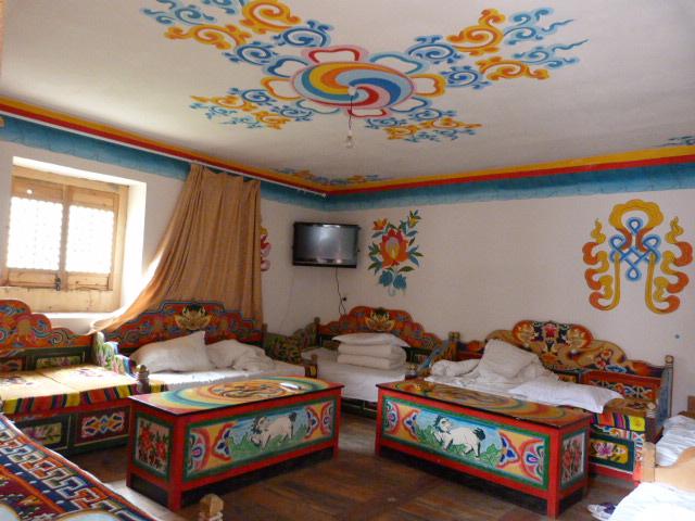 chambre d hôtel à JIAJU ZHANGZHAI .Lits et non canapés