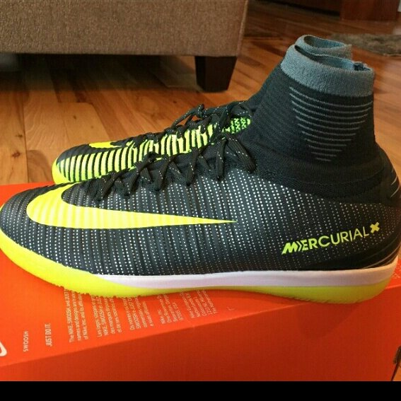 ... uk sepatu futsal nike mercurialx proximo ii ic cr7. original 100 bnib  made in china acd650119b