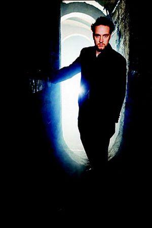 Derren Brown Hipnotist, Derren Brown