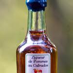 Cenier Liqueur de Pommes au Calvados.jpg