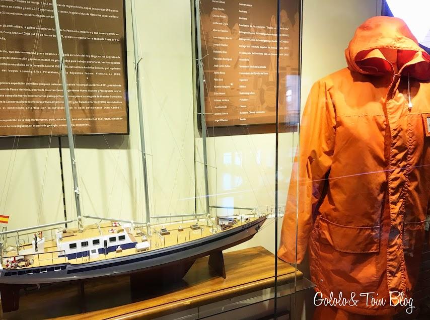 Reproducciones de barcos en el museo marítimo de Asturias