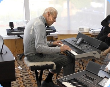 Arthur Reid playing his Korg Pa3X for the arrival music