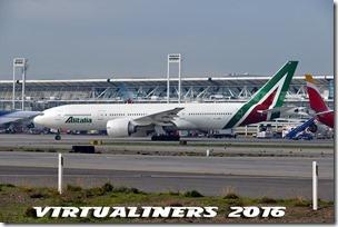 SCL_Alitalia_B777-200_IE-DBK_VL-0068