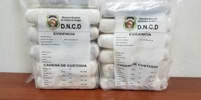 DNCD apresa español con 10 paquetes de Cocaína en Aeropuerto Punta Cana