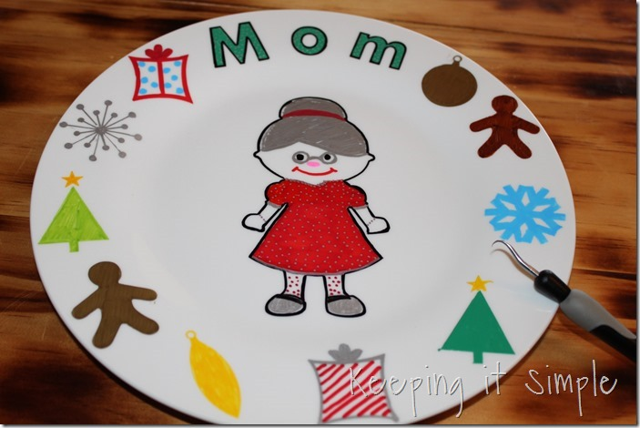 DIY-Personalized-Christmas-Dinner-Plates (6)