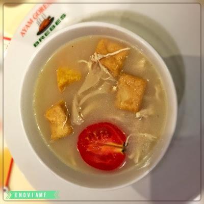 Sop Susu adalah menu andalan di RM Ayam Goreng Brebes Cikole
