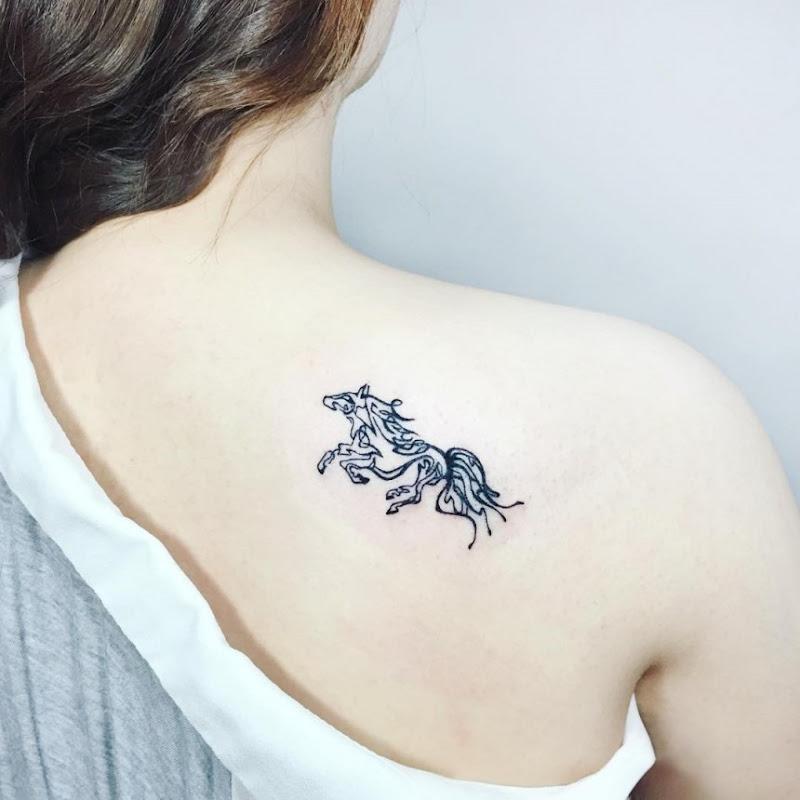 pequeno_esboço_de_um_cavalo_de_tatuagem