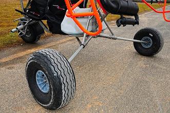 Photo: Venez l'essayer sur notre plateforme paramoteur située sur l'aérodrome de Persan Beaumont ( Val d'oise)