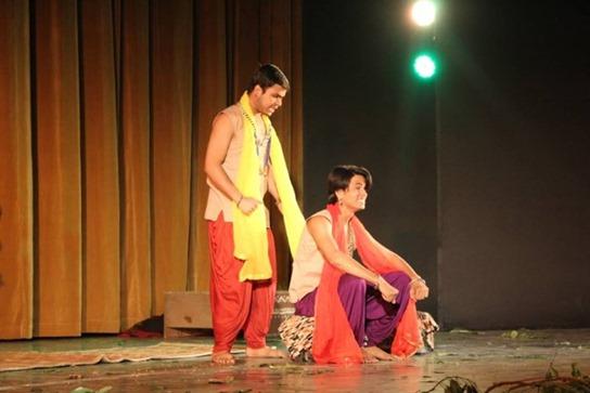 हिन्दू कालेज में आषाढ़ का एक दिन का मंचन