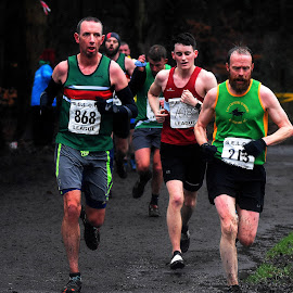 Close   shave by Gordon Simpson - Sports & Fitness Running
