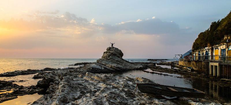 """""""Com'è difficile trovare l'alba dentro l'imbrunire"""" di laura_pasqualini"""