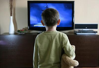 Ketika Anak Menonton Televisi